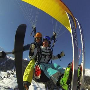 tandem-parapente-avec-ski-ou-snowboard-blatten